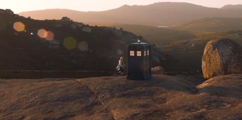 Doctor Who The Ghost Monument - Le Docteur et le TARDIS
