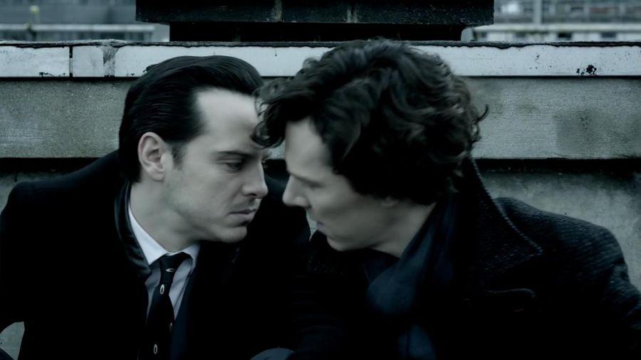 Sherlock et Moriarty qui vont s'embrasser