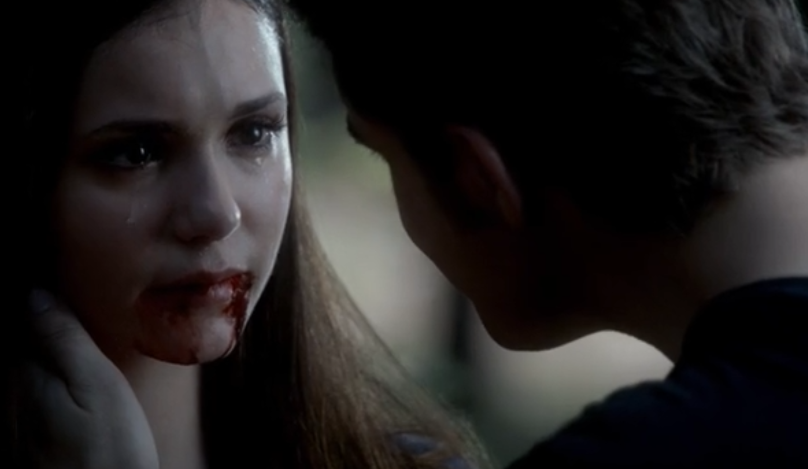 The Vampire diaries S04E02 - Elena feeds with Stefan