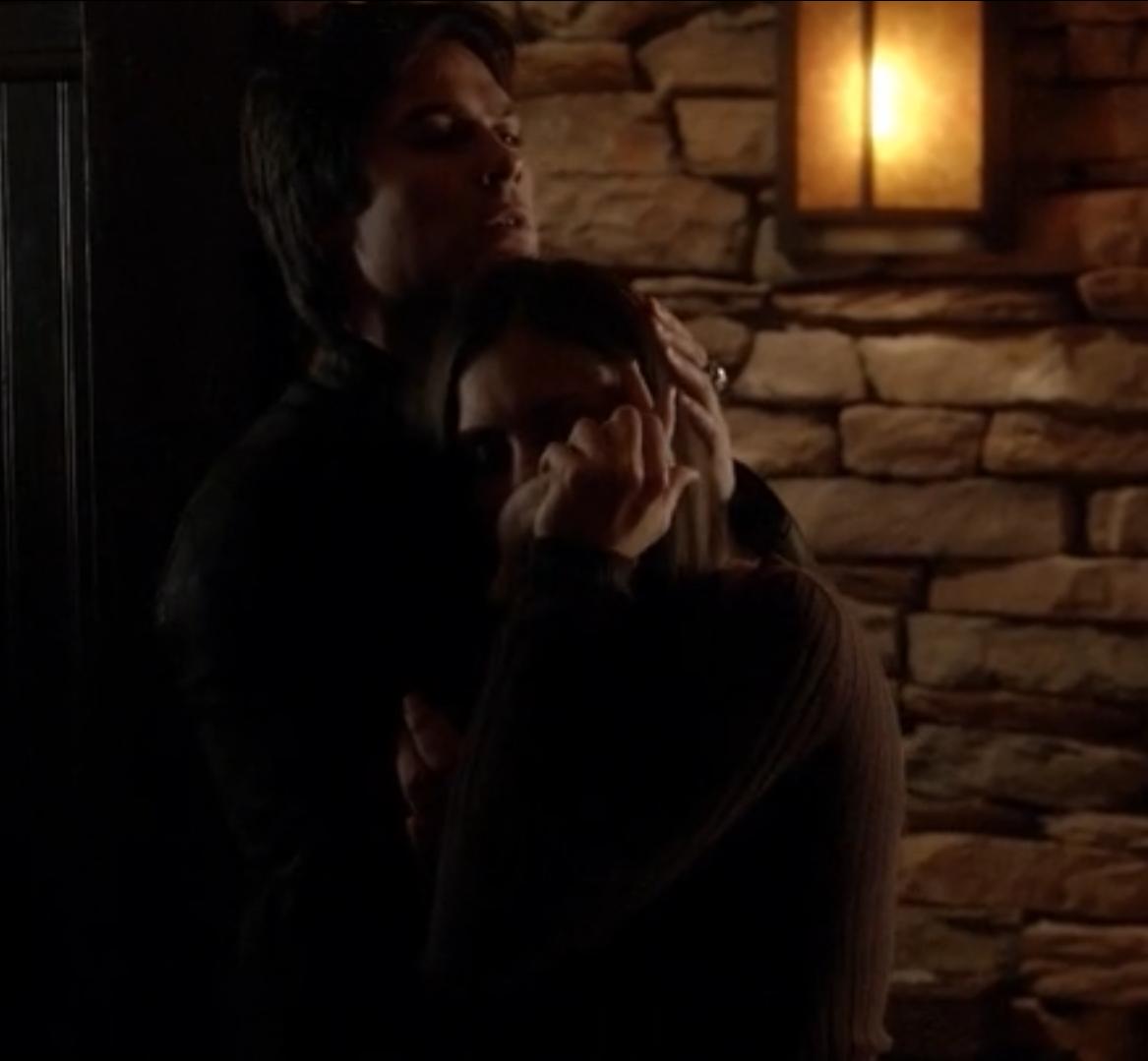 The Vampire diaries S04E02 - Scène hot Damon Elena