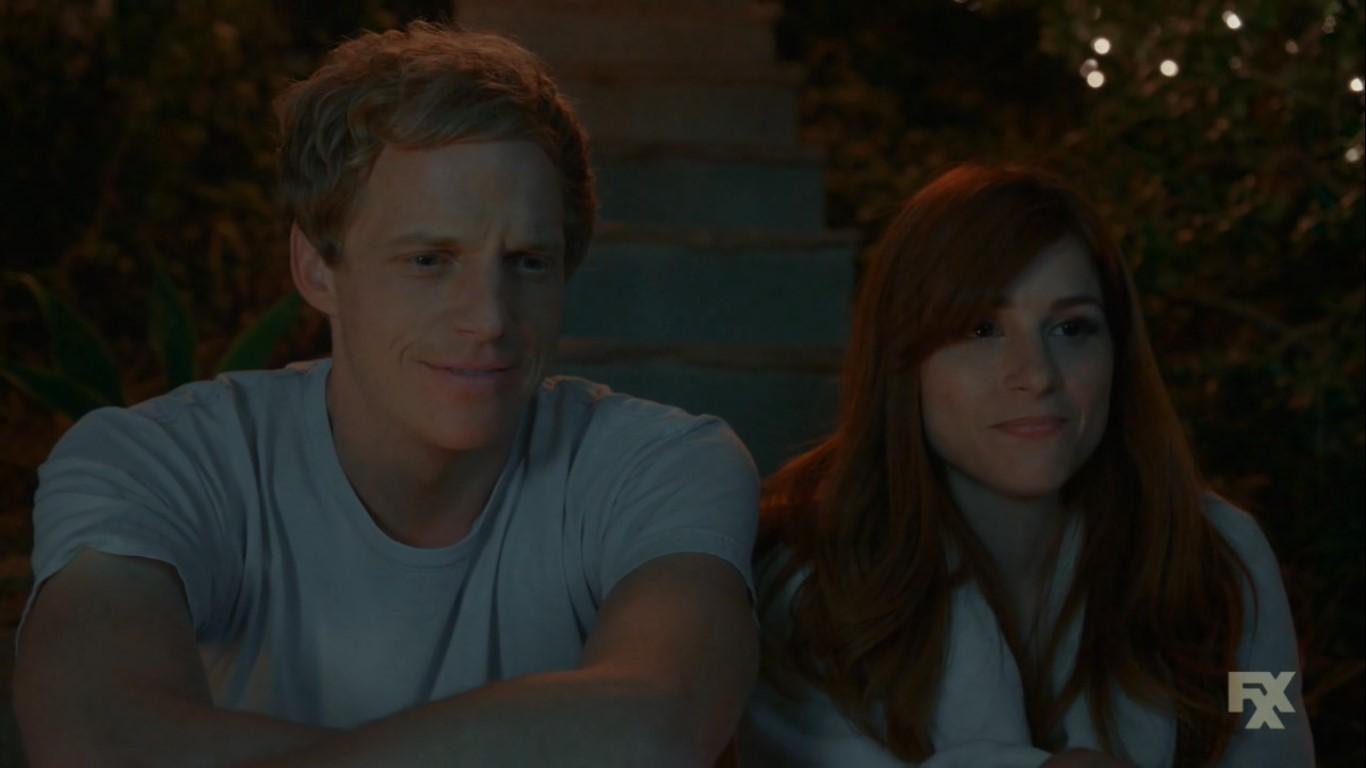 Jimmy et Gretchen, souriant