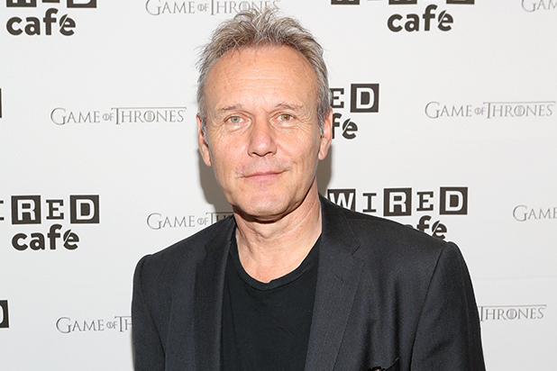 Anthony Stewart Head (Giles)