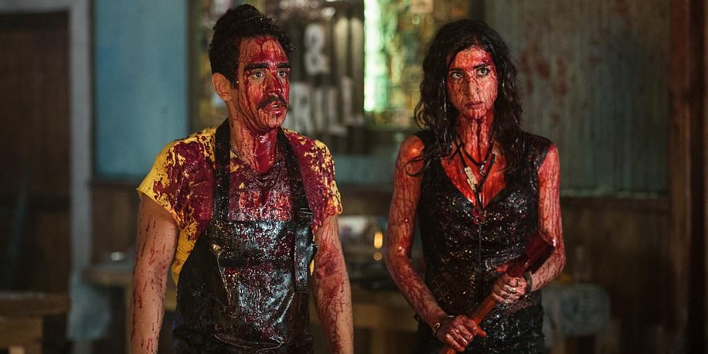 Pablo et Kelly couverts de sang