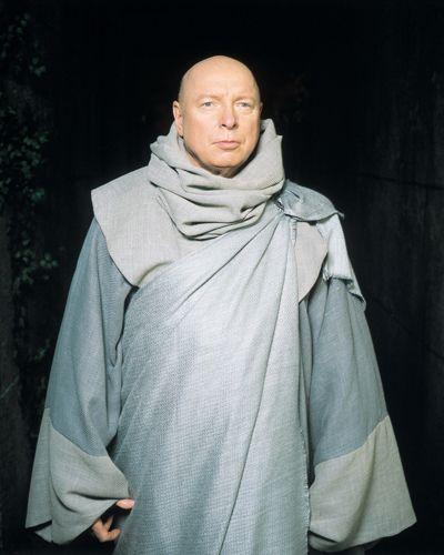 Don S. Davies avec un étonnant costume