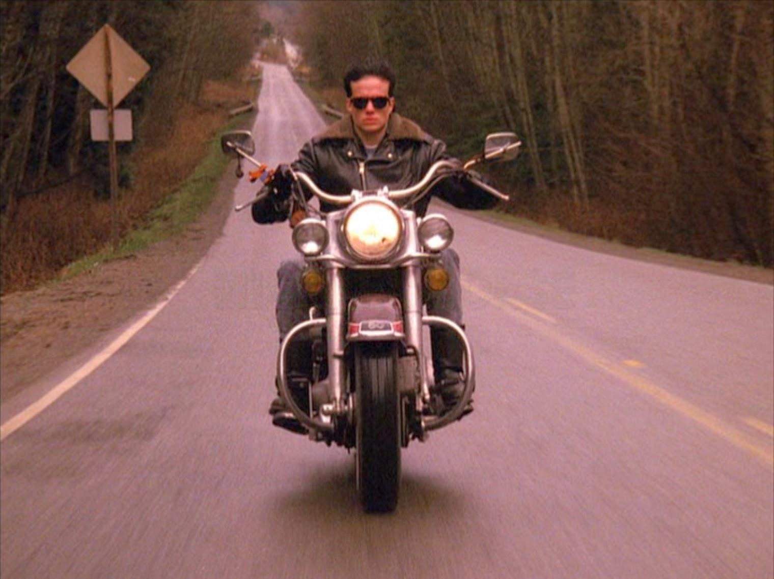 James en moto.