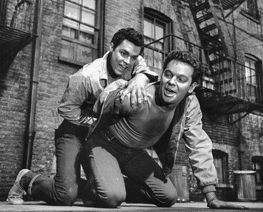 Richard Beymer & Russ Tamblyn dans West Side Story
