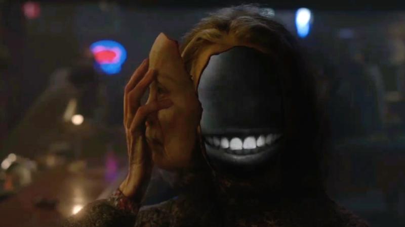 Sarah Palmer fait tomber le masque.