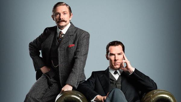 Sherlock et Watson en costumes d'époque