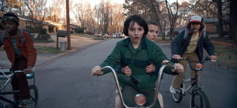 Stranger Things, les gamins sur dés vélos