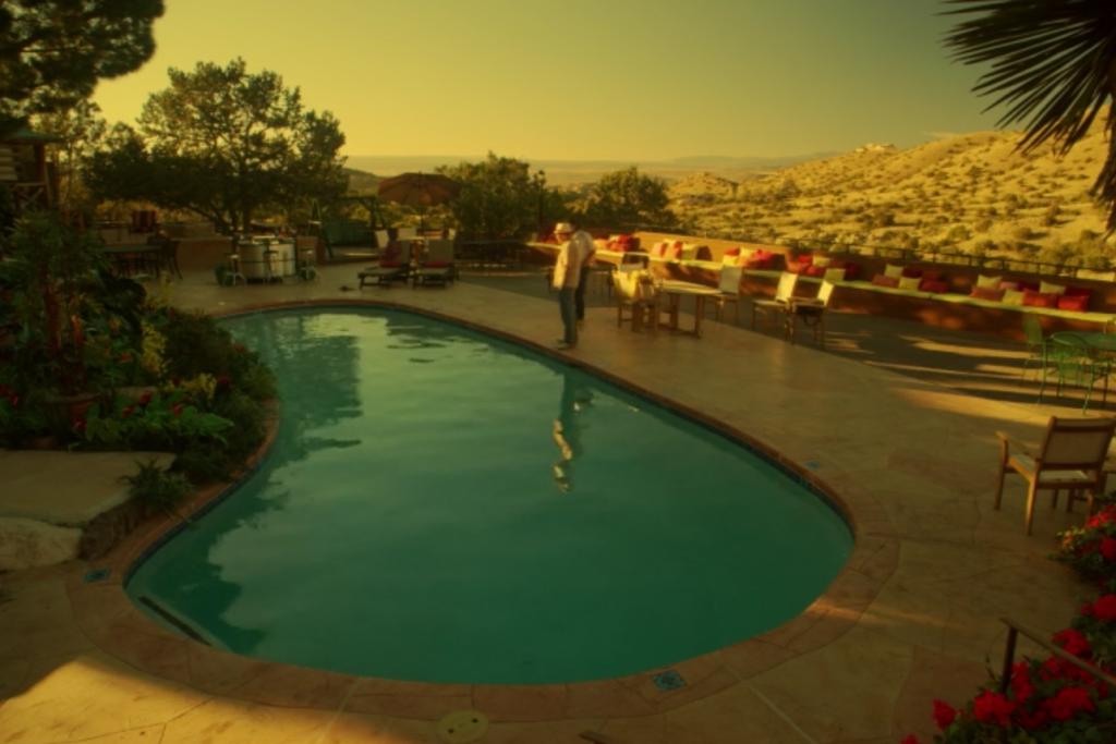 Tio et la piscine