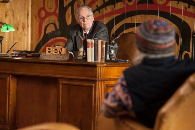 Benjamin Horne dans son bureau.