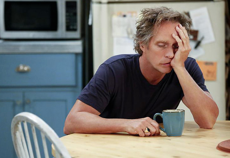 William Fichtner dans Mom