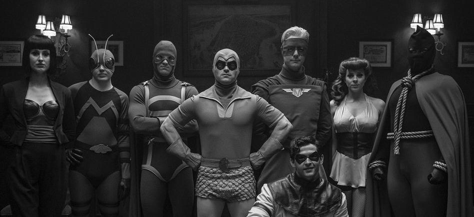 Prise de la photo des Minutemen dans la série Watchmen